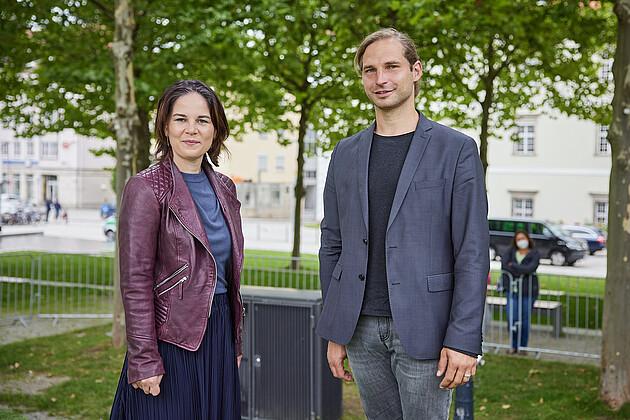 Annalena Baerbock mit MdL Toni Schuberl. - Foto: Tobias Köhler